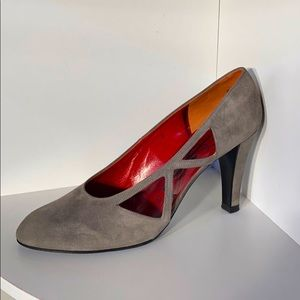 Like New Vintage YSL gray suede pumps